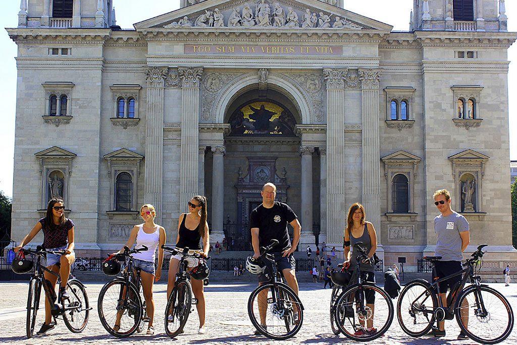 Budapest E-Bike Tour with Cafe Stop